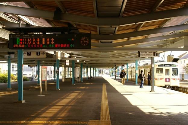 発車案内LEDにて運行最終日の旨を表示