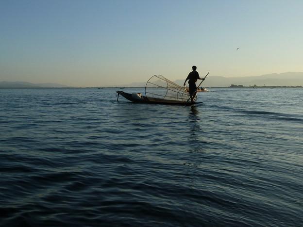 インレー湖の漁