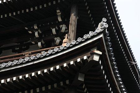 東福寺 三門の屋根
