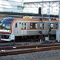 写真: 東京メトロ10000系(西武池袋線保谷駅)