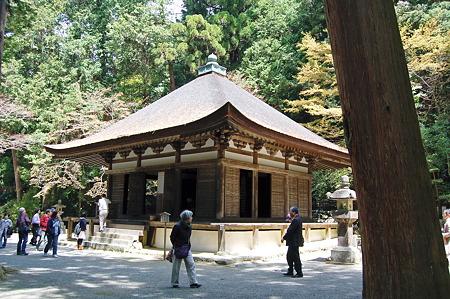 2011年04月17日_DSC_0110houju3観心寺本願堂