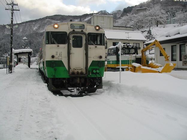 Photos: 只見線 会津川口駅 キハ40系気動車