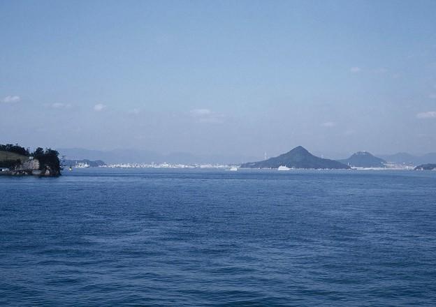 Photos: 広島港を望む