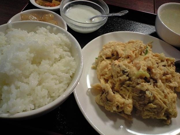 神保町の蟹卵炒め定食