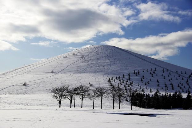 青空とモエレ山