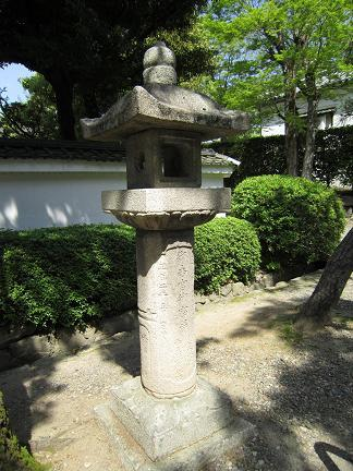 御香宮神社の灯篭