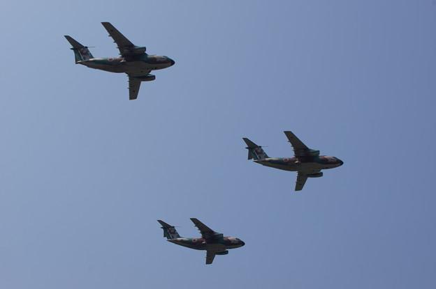 C-1 3機編隊航過
