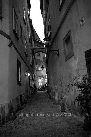 corridor in wien_tilted