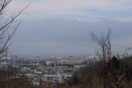 成沢城下から見る山形市内