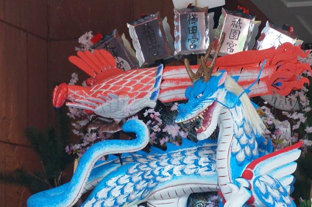 2014年 博多祇園山笠 東流の舁き山笠 四神守天而人護郷土(龍の舁き山) (1)