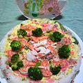 写真: ひな祭りのケーキ寿司