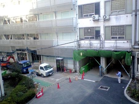 東京工業大学 大岡山南1号館 中央ピロティ