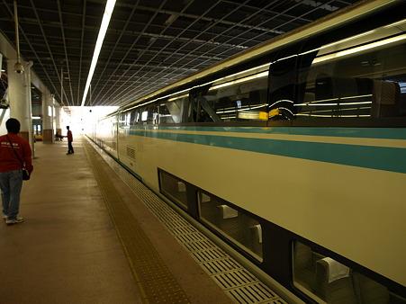 20000形(小田原駅)2