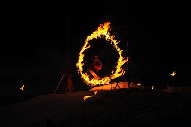 火の輪くぐりジャンプ(スノボ2)