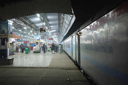 2010.02.02 アーグラー駅