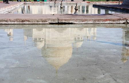2010.02.03 アーグラー タージ・マハル 水鏡