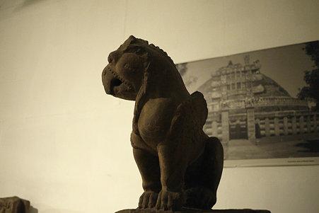2010.02.05 デリー 国立近代美術館 仏像-71