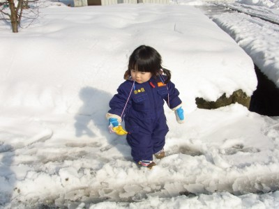 RIMG3536初めての雪あそび サイズ変更