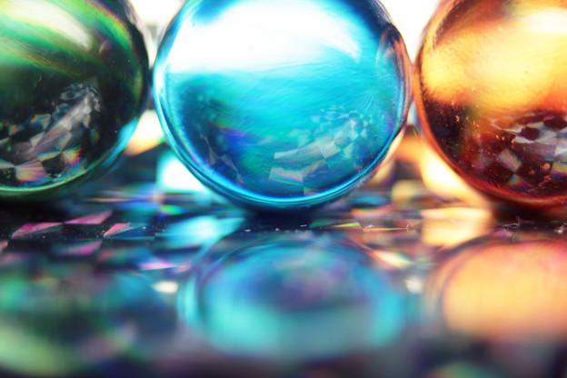 写真: ホログラム上のビー玉3