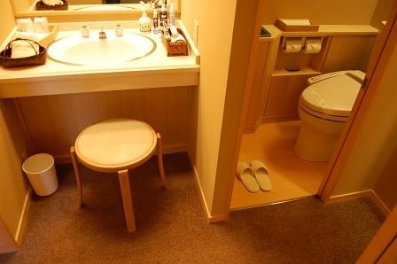 客室ウォシュレットトイレ&洗面台