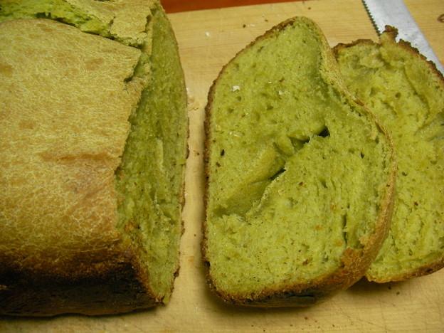 大麦若葉入りパン