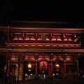 写真: 浅草寺宝蔵門夜景
