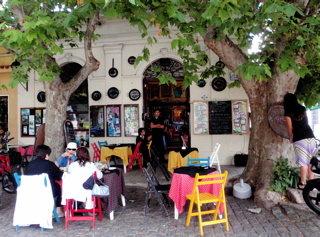 角のレストラン