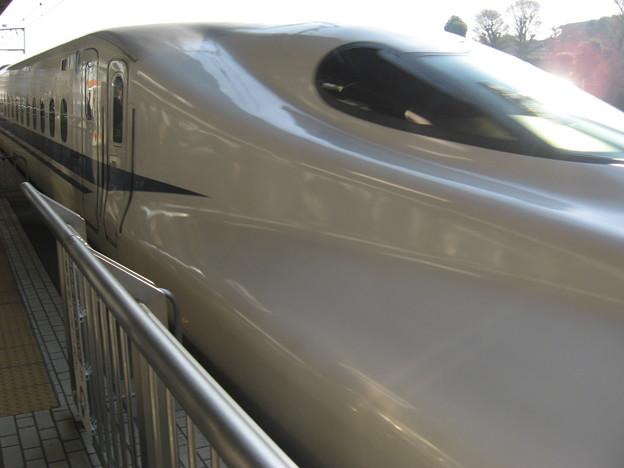 写真: 700系新幹線で大阪へごーごー